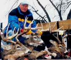 Iowa whitetail deer hunting at Dunn Deal Hunting Lodge